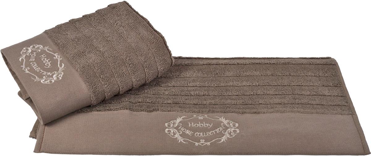 Полотенце Hobby Home Collection Zafira, цвет: коричневый, 50 х 90 см1607000110Полотенце Hobby Home Collection Zafira выполнено из 100% хлопка. Изделие отлично впитывает влагу, быстро сохнет, сохраняет яркость цвета и не теряет форму даже после многократных стирок. Такое полотенце очень практично и неприхотливо в уходе. А простой, но стильный дизайн полотенца позволит ему вписаться даже в классический интерьер ванной комнаты.
