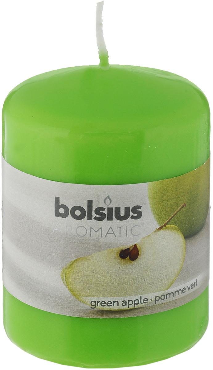 Свеча ароматическая Bolsius Яблоко, 6 х 6 х 7,3 см103626490185Свеча ароматическая Bolsius Яблоко создаст в доме атмосферу тепла и уюта. Свеча приятно смотрится в интерьере, она безопасна и удобна в использовании. Свеча создаст приятное мерцание, а сладкий манящий аромат окутает вас и подарит приятные ощущения.