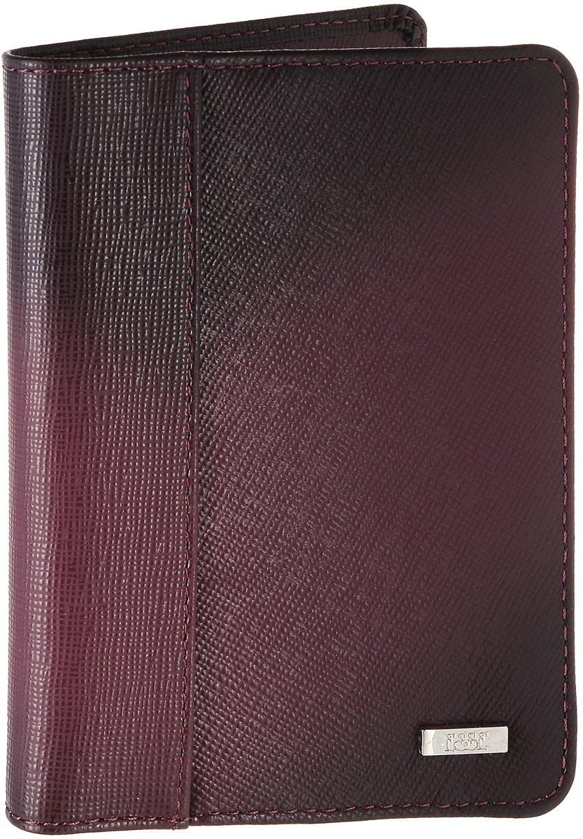 Обложка для паспорта женская Esse Page, цвет: бордовый. GPGE00-000000-FG906O-K100A16-11154_711Женская обложка для паспорта Esse Page изготовлена из натуральной кожи с фактурной поверхностью и оформлена градиентным эффектом. Внутри расположены боковые карманы для фиксации паспорта и три прорезных кармана для пластиковых карт. Изделие упаковано в фирменную коробку.