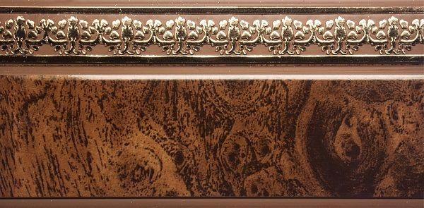 Багет Эскар Мрамор Дамаск, цвет: темная подложка, золотистый, 5 х 350 см290153350Багет Эскар представляет собой изготовленную из поливинилхлорида (ПВХ) полую пластину, применяющуюся как потолочный карниз. Багет для карниза крепится к карнизным шинам. Благодаря багетному карнизу, от взора скрывается верхняя часть штор (шторная лента, крючки), тем самым придавая окну и интерьеру в целом изысканный вид и шарм.