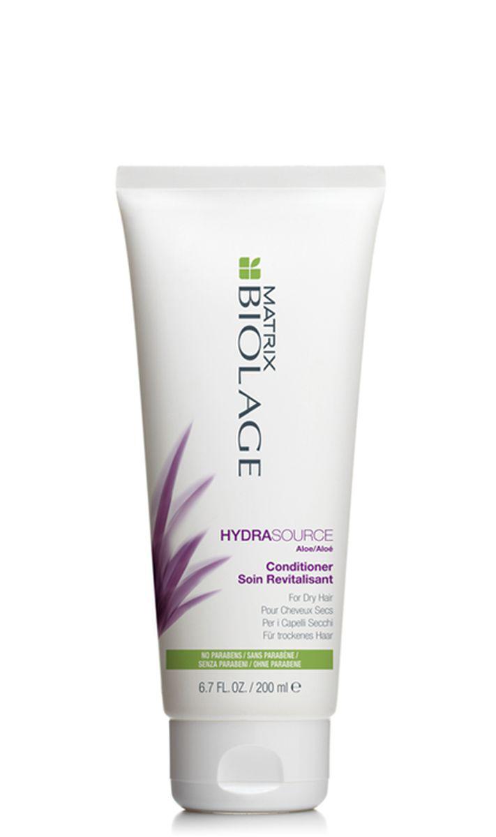 Matrix Biolage Hydrasource Кондиционер 200 млE0954500Когда волосы недостаточно увлажнены, они теряют прежнюю яркость, становятся более жесткими и путаются. Как растение алоэ, которое, казалось бы, никогда не высыхает, кондиционер Biolage HYDRASOURCE™ (ГидраСурс) помогает оптимизировать гидробаланс сухих волос, возвращая им здоровый, сияющий вид. Волосы в 15 раз* более увлажненные после первого использования. - Облегчает расчесывание и делает волосы более мягкими и послушными - Запечатывает влагу внутри волоса - Формула без парабенов. *При использовании системы из шампуня, кондиционера и несмываемого тоника Гидрасурс по сравнению с шампунем без кондиционирующих свойств. - Подходит для окрашенных волос