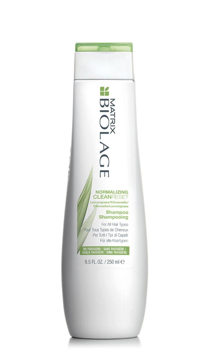 Matrix Biolage Scalpsync нормализующий шампунь 250 млE0957501Вдохновлённый тонизирующими свойствами лимонного сорго, нормализующий шампунь Biolage CLEANRESET™ (Клинрисэт) для всех типов волос интенсивно очищает волосы, не иссушая их. - Интенсивно очищает волосы - Нормализует гидролипидный баланс жирной и склонной к жирности кожи головы - Очищает волосы от хлора бассейна - Формула без парабенов - Подходит для окрашенных волос