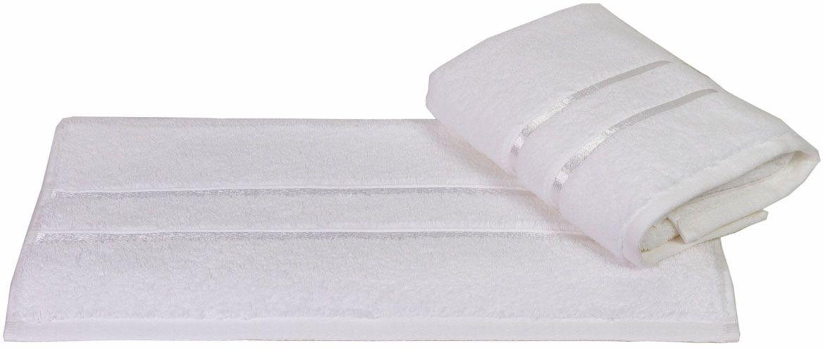 Полотенце Hobby Home Collection Dolce, цвет: белый, 100 х 150 см1501000402Полотенце Hobby Home Collection Dolce выполнено из 100% хлопка. Изделие отлично впитывает влагу, быстро сохнет, сохраняет яркость цвета и не теряет форму даже после многократных стирок. Такое полотенце очень практично и неприхотливо в уходе. А простой, но стильный дизайн полотенца позволит ему вписаться даже в классический интерьер ванной комнаты.