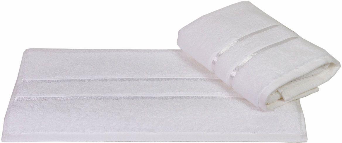 Полотенце Hobby Home Collection Dolce, цвет: белый, 50 х 90 см1501000408Полотенце Hobby Home Collection Dolce выполнено из 100% хлопка. Изделие отлично впитывает влагу, быстро сохнет, сохраняет яркость цвета и не теряет форму даже после многократных стирок. Такое полотенце очень практично и неприхотливо в уходе. А простой, но стильный дизайн полотенца позволит ему вписаться даже в классический интерьер ванной комнаты.