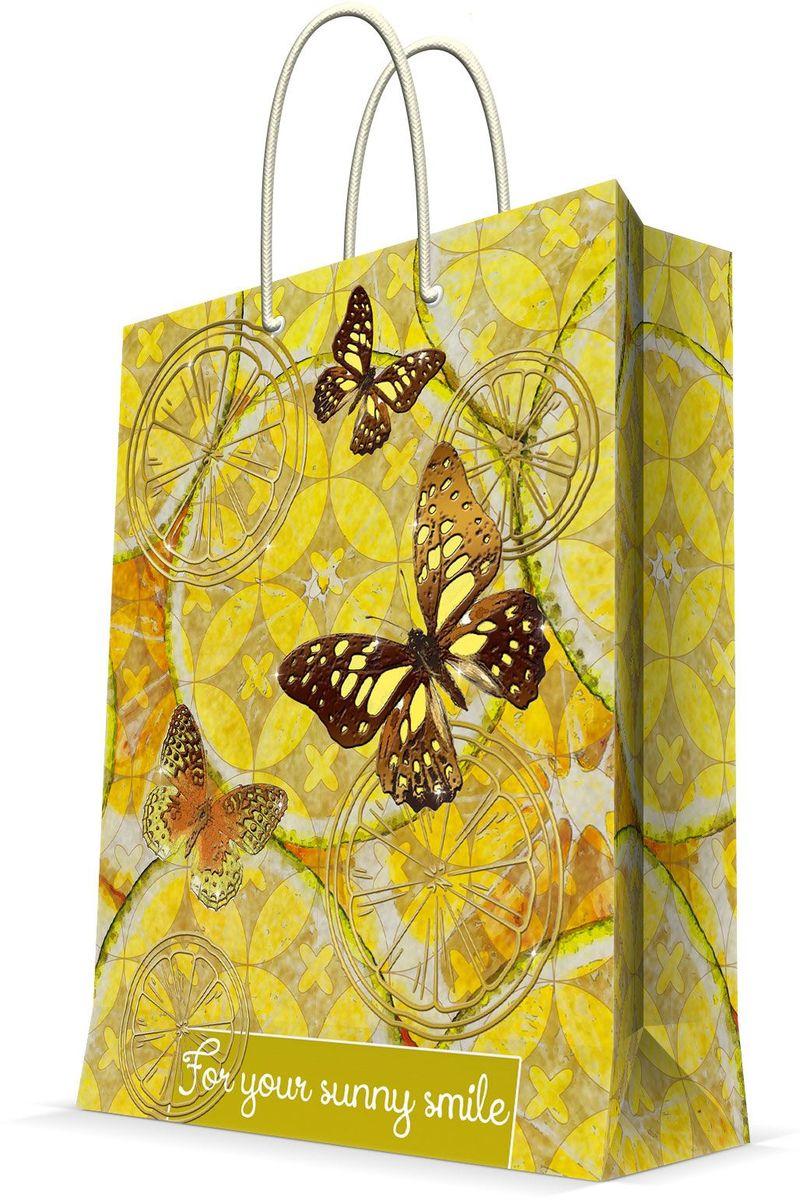 Пакет подарочный Magic Home Лимонные бабочки, 26 х 32,4 х 12,7 см44229Подарочный пакет Magic Home, изготовленный из плотной бумаги, станет незаменимым дополнением к выбранному подарку. Дно изделия укреплено картоном, который позволяет сохранить форму пакета и исключает возможность деформации дна под тяжестью подарка. Пакет выполнен с глянцевой ламинацией, что придает ему прочность, а изображению - яркость и насыщенность цветов. Для удобной переноски имеются две ручки в виде шнурков. Подарок, преподнесенный в оригинальной упаковке, всегда будет самым эффектным и запоминающимся. Окружите близких людей вниманием и заботой, вручив презент в нарядном, праздничном оформлении. Плотность бумаги: 140 г/м2.