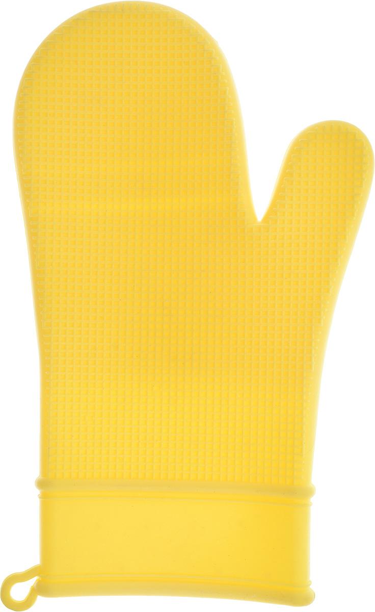 Рукавица для кухни Marvel, силиконовая, цвет: желтый96515412Рукавица для кухни Marmiton выполнена из цветного силикона, который выдерживает температуру от -40°С до +240°С. Изделие приятное на ощупь, невероятно гибкое и прочное. Рукавица имеет рельефную поверхность, что обеспечивает еще более надежный хват. С помощью такой рукавицы ваши руки будут защищены от ожогов, когда вы будете ставить в печь или доставать из нее выпечку. Размер: 29 х 18 см.