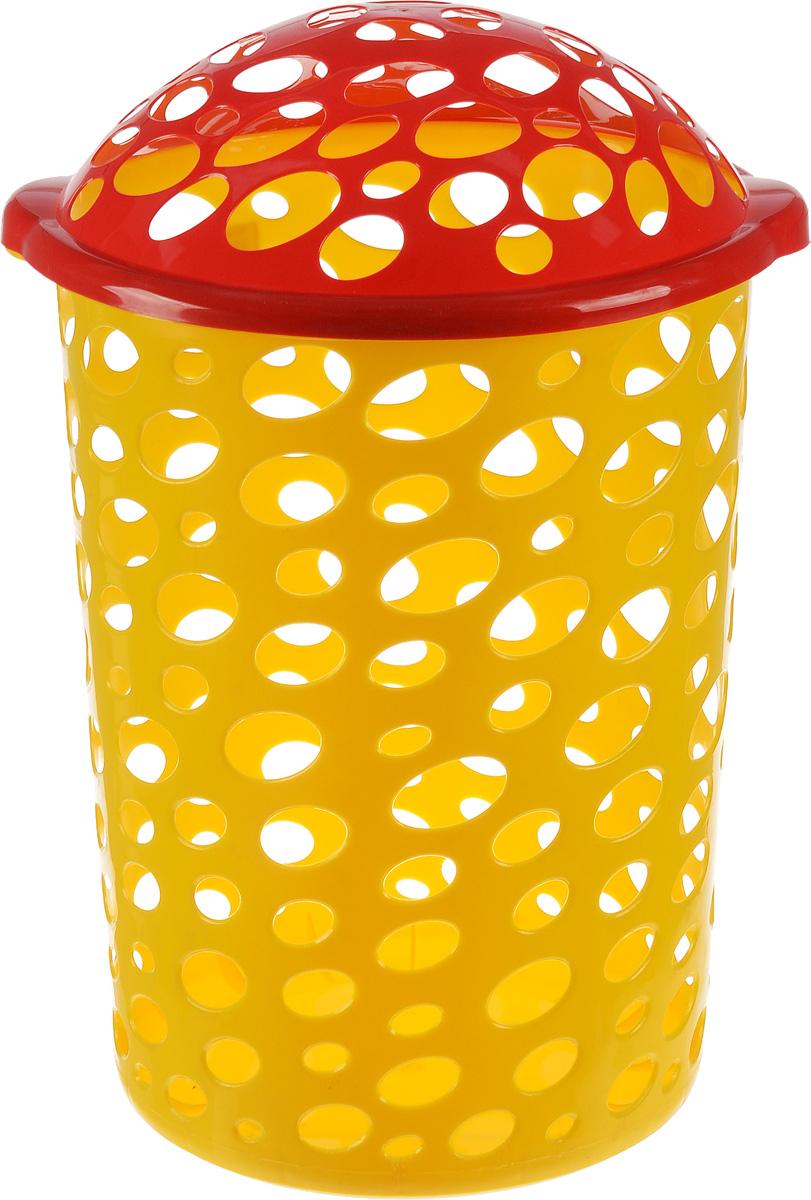 Корзина универсальная Альтернатива Сорренто, цвет: красный, 45 лМ1886_жёлтый/кр.краснаяУниверсальная корзина Альтернатива Сорренто, изготовленная из прочного пластика, оформлена овальной перфорацией. Корзина идеально подходит как для хранения белья, так и детских игрушек. Изделие оснащено откидной крышкой. Элегантный дизайн подойдет к интерьеру любой комнаты. Объем: 45 л. Диаметр корзины (по верхнему краю): 39 см. Высота (без учета крышки): 51 см.