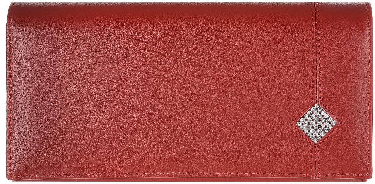 Портмоне женское Dimanche Рубин, цвет: красный. 012INT-06501Стильное женское портмоне Dimanche Рубин выполнено из высококачественной матовой натуральной кожи и закрывается клапаном на застежке-кнопке.Внутри расположены три отделения для купюр, отделение для мелочи на застежке-молнии, семь кармашков для кредитных карт и визиток, кармашек с пластиковым прозрачным окошком и два дополнительных кармана для бумаг. На тыльной стороне расположен большой дополнительный карман без застежки. Оформлено изделие аппликацией из стразов в виде ромба. Стильное портмоне эффектно дополнит ваш образ и станет незаменимым аксессуаром. Упаковано изделие в фирменную картонную коробку.