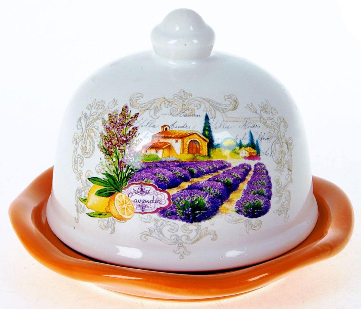 Лимонница ENS Group Прованс. L2430738L2430738Лимонница Прованс выполнена из высококачественной керамики и состоит из блюдца и крышки. Изделие украшено оригинальным узором. Лимонница Прованс доставит истинное удовольствие ценителям прекрасного и поможет сохранить свежесть лимона на длительный срок. Яркий дизайн, несомненно, придется вам по вкусу. Не рекомендуется мыть в посудомоечной машине.