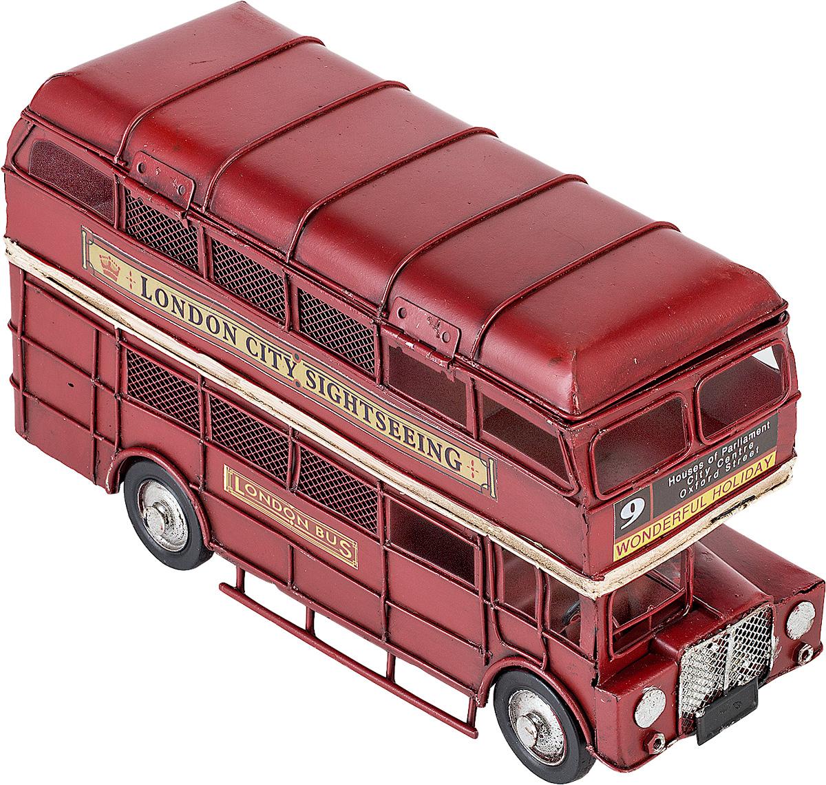 Модель Platinum Лондонский автобус, с 2 фоторамками и копилкой. 1310E-41071310E-4107Модель Platinum Лондонский автобус, выполненная из металла, станет оригинальным украшением интерьера. Вы можете поставить ретро-модель в любом месте, где она будет удачно смотреться. Изделие дополнено копилкой и двумя фоторамками, куда вы можете вставить ваши любимые фотографии. Качество исполнения, точные детали и оригинальный дизайн выделяют эту модель среди ряда подобных. Модель займет достойное место в вашей коллекции, а также приятно удивит получателя в качестве стильного сувенира.