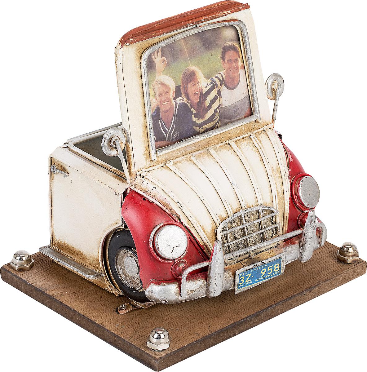 Фоторамка Platinum Автомобиль, с подставкой для ручек, 6 х 8 см. 1404B-12881404B-1288Фоторамка Platinum Автомобиль, выполненная из металла, оснащена подставкой для ручек и карандашей. Такая фоторамка поможет вам оригинально и стильно дополнить интерьер помещения, а также позволит сохранить память о дорогих вам людях и интересных событиях вашей жизни.