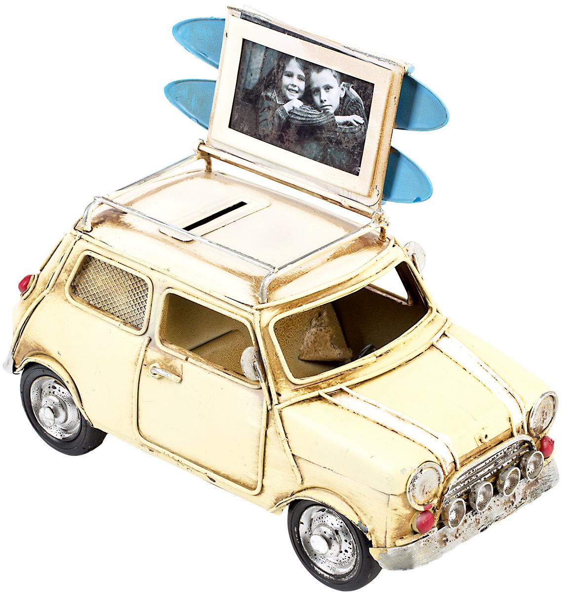 Модель Platinum Автомобиль, с фоторамкой и копилкой. 1404E-4341UP210DFМодель Platinum Автомобиль, выполненная из металла, станет оригинальным украшением интерьера. Вы можете поставить модель ретро-автомобиля в любом месте, где она будет удачно смотреться.Изделие дополнено копилкой и фоторамкой, куда вы можете вставить вашу любимую фотографию.Качество исполнения, точные детали и оригинальный дизайн выделяют эту модель среди ряда подобных. Модель займет достойное место в вашей коллекции, а также приятно удивит получателя в качестве стильного сувенира.