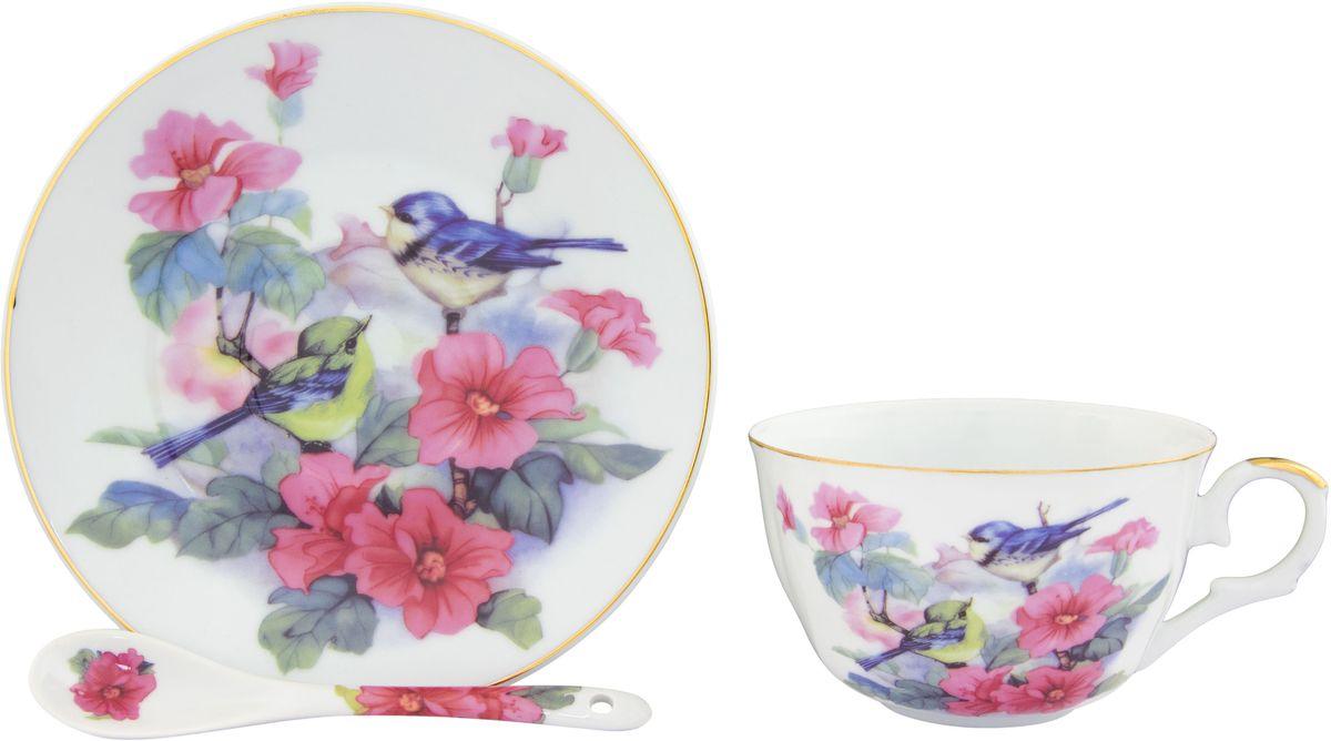 Чайная пара Elan Gallery Синички в шиповнике, с ложкой, 3 предмета180815Чайный набор - это отличный подарок, подходящий для любого повода. Принесет в Ваш дом красоту и уют душевных чаепитий! В наборе чашка, блюдце и ложка. Размер чашки: 12 х 9,5 х 6 см. Размер блюдца: 15 х 15 х 2 см. Размер ложки: 12,5 х 2,5 х 1,5 см.