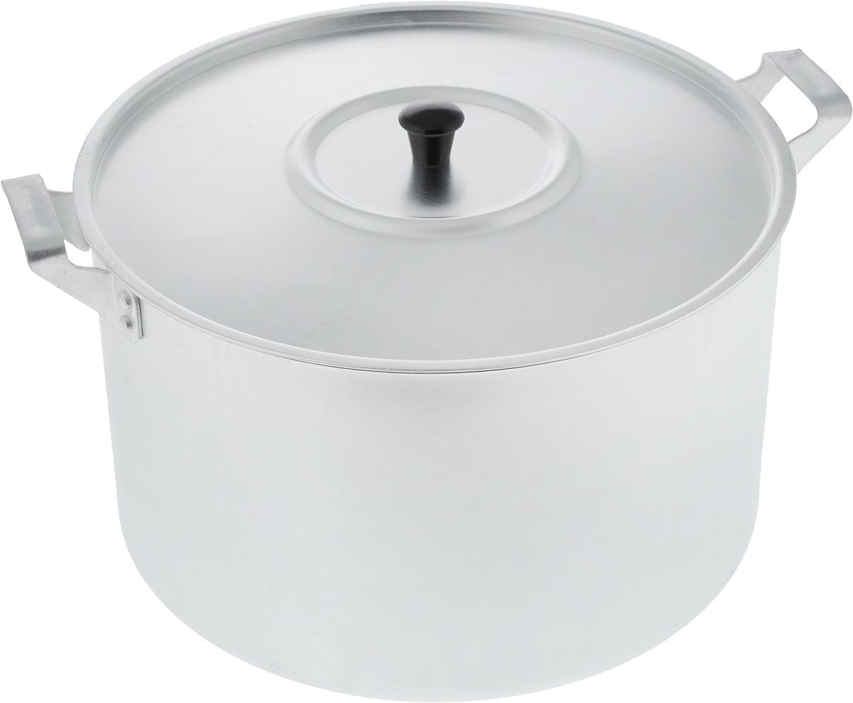 Кастрюля Scovo с крышкой, 8 лМТ-084Кастрюля Scovo с крышкой изготовлена из алюминия с полированной поверхностью. Посуда с полированной поверхностью медленно остывает, долго сохраняя тепло, поэтому идеально подходит для кипячения молока, воды, приготовления супов, каш. Кастрюля подходит для использования на всех типах плит, кроме индукционных. Можно мыть в посудомоечной машине. Алюминиевая посуда - это давно проверенная классика. Долговечная и недорогая, алюминиевая посуда не обладает привлекательным внешним видом, но может пережить многие испытания и не понести потерь. Даже деформация корпуса, в принципе, не влияет на дальнейший процесс приготовления пищи. Полированную алюминиевую посуду не рекомендуется мыть абразивными моющими средствами с использованием жестких щеток и других твердых материалов. Такая посуда пригодится не только дома, но и станет незаменимой в походах или поездках за город. Диаметр кастрюли (по верхнему краю): 26 см. Высота стенки: 15,5 см. Объем кастрюли: 8 л.