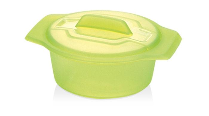 Контейнер-пароварка Tescoma Fusion Diet Revolution, силиконовый, цвет: зеленый, диаметр 15 см638315Уникальная силиконовая пароварка с внутренней подставкой-решеткой и крышкой. Предназначена для приготовления низкокалорийных блюд на пару и в духовке. При приготовлении в посуде Fusion Diet Revolution внутри контейнеров создается интенсивный микроклимат, который придает блюдам ряд уникальных особенностей. Все предметы изготовлены из термостойкого силикона, выдерживают температуру до 230°С. Подходит для всех типов печей, в том числе микроволновой печи, а также для холодильника и морозильной камеры. Можно мыть в посудомоечной машине. В комплект входит книга с рецептами диетического питания. Диаметр контейнера: 15 см. Длина ручек: 2,5 см. Высота стенки контейнера: 7 см.