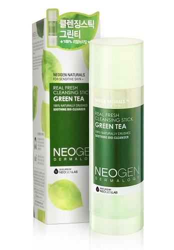 Neogen Dermalogy Очищающий стик с зеленым чаем подходить для чувствительной кожи Real fresh Stick Green Tea 80г44499Инновационный очищающий стик на 99% состоит из натуральных компонентов, включая в состав частицы зеленого чая, масла камелии, вечерней примрозы, оливы и другие ценные ингредиенты, обеспечивающие бережный уход за кожей. Уникальная формула бережно и мягко очищает кожу от макияжа и других загрязнений, оставляя ее чистой, свежей и увлажненной. Необычный компактный формат идеален для ежедневного применения. Подходит для всех типов кожи, в том числе чувствительной. Не содержит парабены, сульфаты, минеральное масло и другие потенциально опасные ингредиенты.