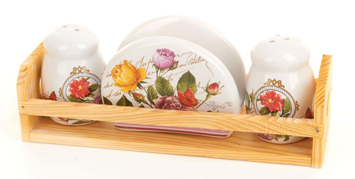 Набор для специй и салфетница ENS Group Лето в Европе, на подставке, 4 предмета0660085Набор для специй и салфетница Лето в Европе выполнены из керамики, на деревянной подставке. Благодаря своим компактным размерам не займет много места на вашей кухне. Солонка и перечница декорированы оригинальным орнаментом. Набор Лето в Европе станет отличным подарком каждой хозяйке.