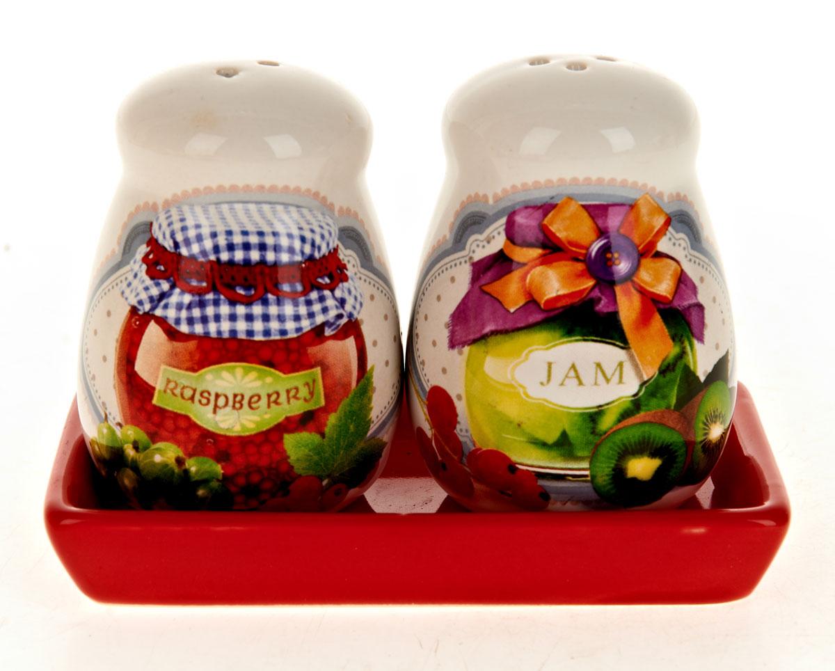 Набор для специй Polystar Джем, 2 предметаVT-1520(SR)Набор Джем для соли и перца, выполненный из керамики, благодаря своим компактным размерам не займет много места на вашей кухне. Солонка и перечница декорированы оригинальным рисунком. Набор Джем для соли и перца станет отличным подарком каждой хозяйке.Размер набора: 12 x 6,5 x 8,5 см.