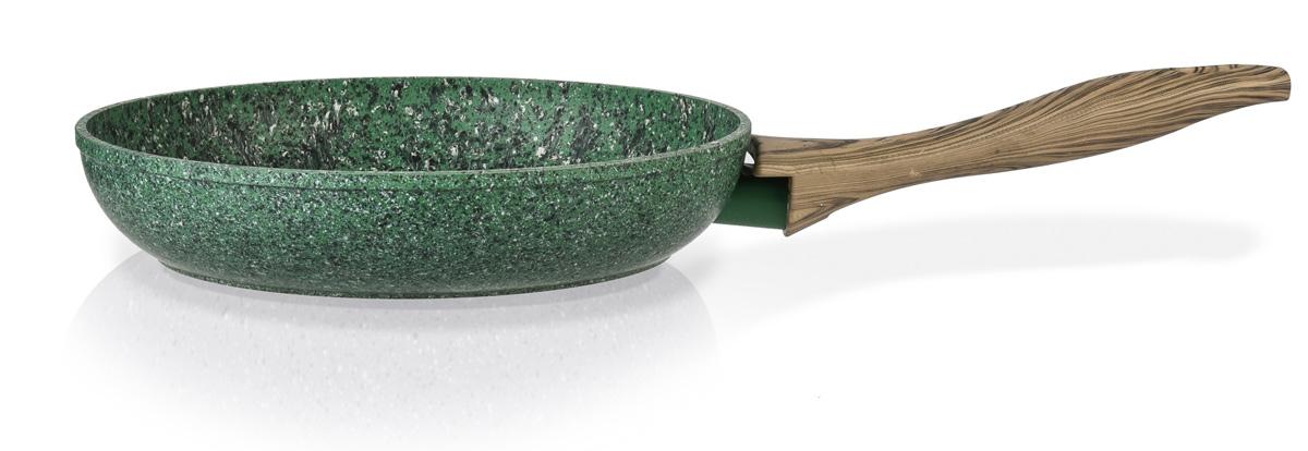 Сковорода Fissman Malachite, с антипригарным покрытием. Диаметр 20 смFS-91909Сковорода Fissman Malachite изготовлена из литого алюминия с многослойным антипригарным покрытием EcoStone, которое усилено вкраплением каменных частиц. Первый слой улучшает сцепление покрытия с металлом, второй слой - грунтовый, третий слой - более прочное покрытие на основе минеральных компонентов, четвертый слой - высокопрочное антипригарное покрытие, усиленное вкраплением каменных частиц, пятый дополнительный антипригарный слой с керамическими частицами. Главное преимущество покрытия - это устойчивость к царапинам и износу. Также покрытие безопасно для здоровья человека и окружающей среды. Утолщенное дно сковороды рационально распределяет тепло, что позволяет продуктам готовиться быстро и равномерно. Приятная на ощупь ручка из бакелита не нагревается и не скользит в руках. Подходит для газовых, электрических, стеклокерамических, индукционных плит. Можно мыть в посудомоечной машине. Высота стенок: 4,5 см. Длина ручки: 17 см.