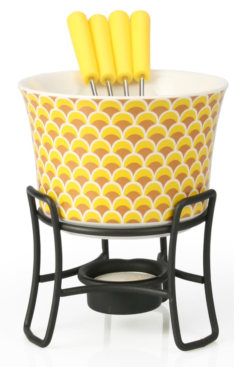Набор для фондю Fissman Louna, 6 предметовFD-6314.6Набор для фондю Fissman Louna состоит из керамической чаши, 4 вилочек и подставки с чайной свечей. Такой набор идеален для вечернего застолья в окружении семьи или друзей. Изделие выполнено в теплых уютных тонах и отличается оригинальным дизайном. Используйте этот набор для приготовления сырных или сладких смесей для фондю. Нарежьте кусочки хлеба, мяса, овощей, бананов, клубники, ананаса или зефира на кубики. Этот универсальный набор позволит каждому из ваших гостей насладиться тем продуктом, который ему нравится больше всего. Можно мыть в посудомоечной машине. Диаметр чаши: 11,5 см. Высота (с подставкой): 13 см.