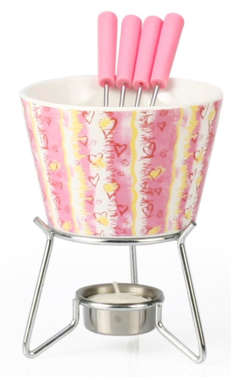 Набор для фондю Fissman Valerie, 6 предметовFD-6315.6Набор для фондю Fissman Valerie состоит из керамической чаши, 4 вилочек и подставки с чайной свечей. Такой набор идеален для вечернего застолья в окружении семьи или друзей. Изделие выполнено в теплых уютных тонах и отличается оригинальным дизайном. Используйте этот набор для приготовления сырных или сладких смесей для фондю. Нарежьте кусочки хлеба, мяса, овощей, бананов, клубники, ананаса или зефира на кубики. Этот универсальный набор позволит каждому из ваших гостей насладиться тем продуктом, который ему нравится больше всего. Можно мыть в посудомоечной машине. Диаметр чаши: 11 см. Высота (с подставкой): 14 см.