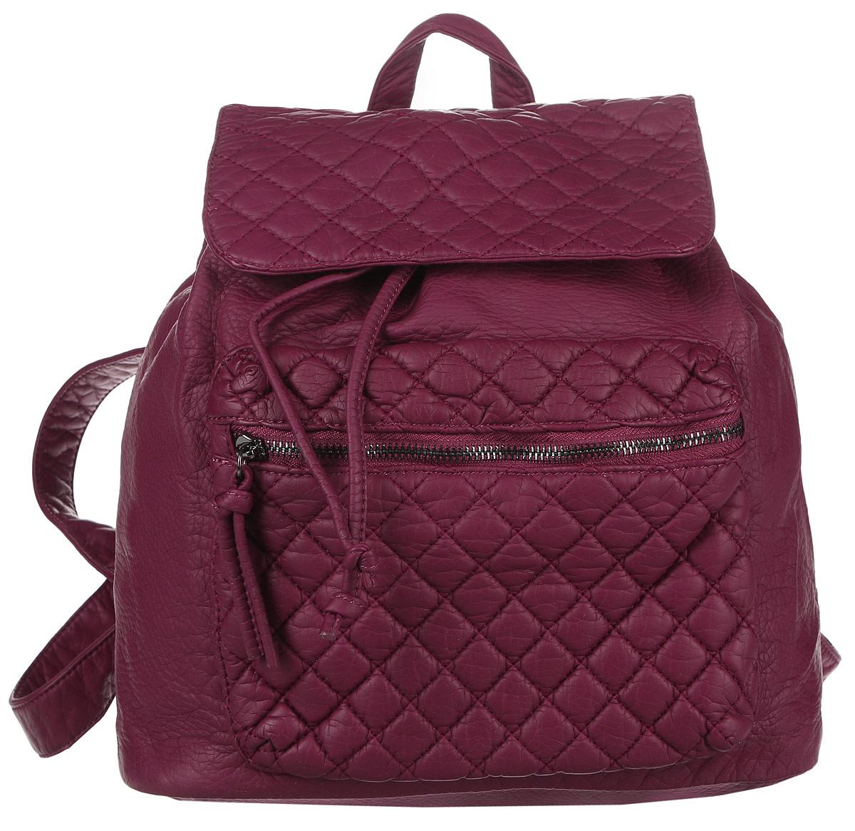 Рюкзак женский OrsOro, цвет: бордовый. D-255/11D-255/11Стильный рюкзак OrsOro, выполнен из экокожи и оснащен двумя плечевыми регулируемыми ремнями на спинке и удобной ручкой для переноски. Изделие затягивается с помощью шнурка и закрывается клапаном на кнопку, внутри имеет одно вместительное отделение с одним накладным карманом для телефона и мелочей и одним прорезным карманом на застежке-молнии. С тыльной стороны изделия имеется прорезной карман на застежке-молнии. Рюкзак оснащен также передним накладным карманом на молнии . Сумка-рюкзак OrsOro - это выбор молодой, уверенной, стильной женщины, которая ценит качество и комфорт. Изделие станет изысканным дополнением к вашему образу.