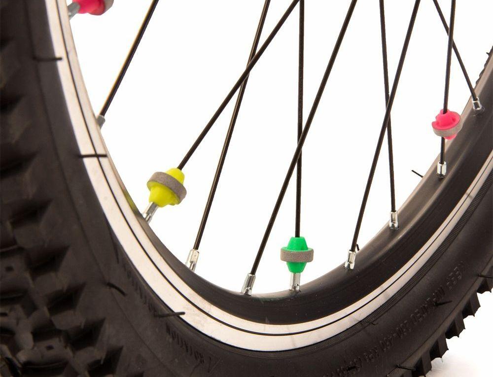 Светоотражатели на спицы Salzmann Шарики, 36 шт. 43458336034Материал: ABS – пластик В комплекте: 36 шт Отражающий материал: 3M Scotchlite Отражающий значение: 600 lux