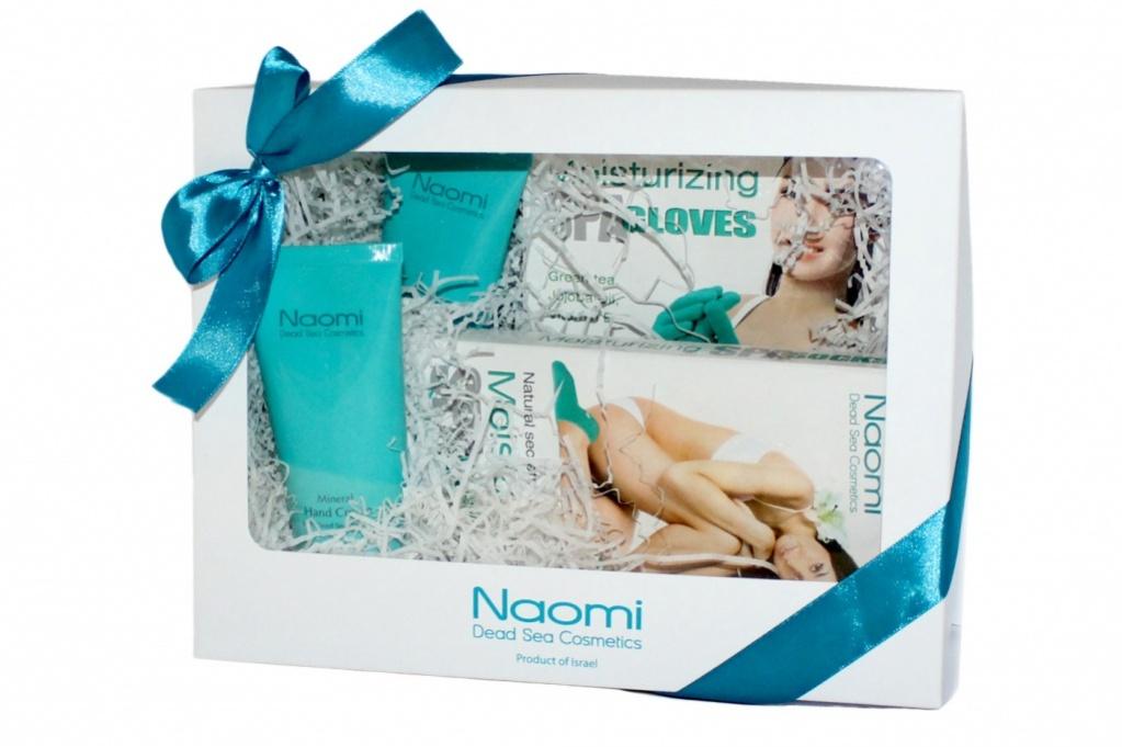 Набор по уходу за руками и ногами NaomiKM 0049Набор по уходу за руками и ногами «Naomi» состоит из Крема для ног с минералами Мертвого моря «Naomi», Крема для рук с минералами Мертвого моря «Naomi», Перчаток с силиконовой подкладкой«Naomi», Носок с силиконовой подкладкой«Naomi». • Крем для ног обогащен минералами Мертвого моря и применяется для ухода за кожей ног, заживляя трещины и избавляя от шелушения. Ингредиенты крема увлажняют и питают кожу ступней, делая ее мягкой и гладкой, а также снимают отечность с ног. Способ применения: ежедневно наносите необходимое количество крема на кожу ног и мягко втирайте до полного впитывания. Срок годности: 3 года с даты производства • Крем для рук обогащен минералами Мертвого моря, благодаря чему превосходно ухаживает за руками. Крем смягчает, питает и защищает кожу от сухости, ускоряет процесс заживления микротравм и трещинок. Легкий по консистенции крем отлично впитывается и обладает приятным запахом. Способ применения: наносите 1-2- раза в...