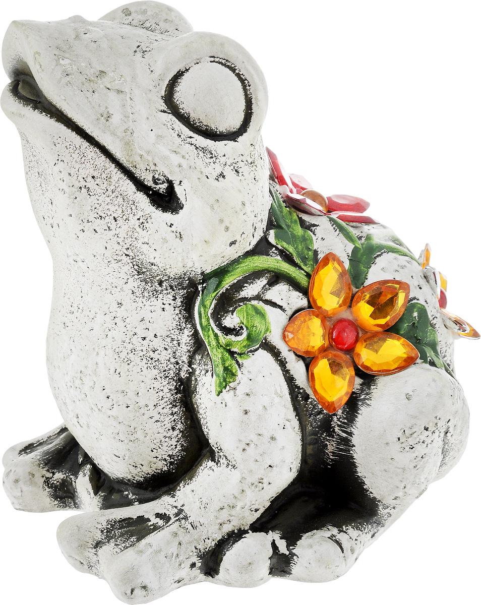 Фигурка декоративная Лилло Лягушка, высота 15 смFLY3204-3Декоративная фигурка Лилло Лягушка станет необычным аксессуаром для вашего интерьера и создаст незабываемую атмосферу. Фигурка изготовлена из керамики в виде лягушки. Эта очаровательная вещь послужит отличным подарком близкому человеку, родственнику или другу, а также подарит приятные мгновения и окунет вас в лучшие воспоминания.