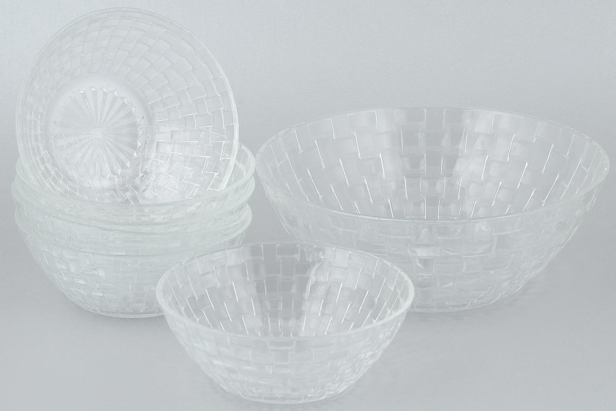 Набор салатников Wellberg, 7 предметов. 50462WB50462WBНабор Wellberg включает в себя 6 маленьких салатников и 1 большой. Изделия выполнены из высококачественного стекла. Салатники отлично подойдут для сервировки стола. Оригинальность дизайна набора всем придется по вкусу. Салатники можно мыть в посудомоечной машине. Диаметр большого салатника по верхнему краю: 22,5 см. Диаметр основания большого салатника: 11 см. Высота большого салатника: 9 см. Диаметр маленьких салатников по верхнему краю: 15 см. Диаметр основания маленьких салатников: 7,5 см. Высота маленьких салатников: 6 см.