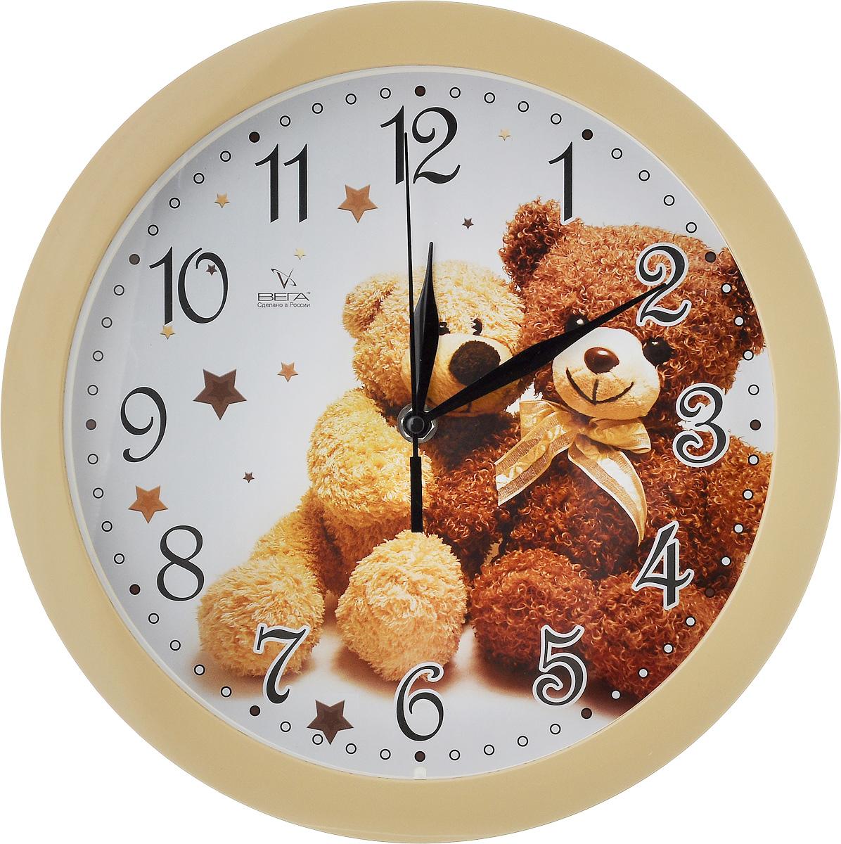 Часы настенные Вега Два медвежонка, диаметр 28,5 смП1-14/7-216Настенные кварцевые часы Вега Два медвежонка, изготовленные из пластика, прекрасно впишутся в интерьер вашего дома. Круглые часы имеют три стрелки: часовую, минутную и секундную, циферблат защищен прозрачным стеклом. Часы работают от 1 батарейки типа АА напряжением 1,5 В (не входит в комплект). Диаметр часов: 28,5 см.