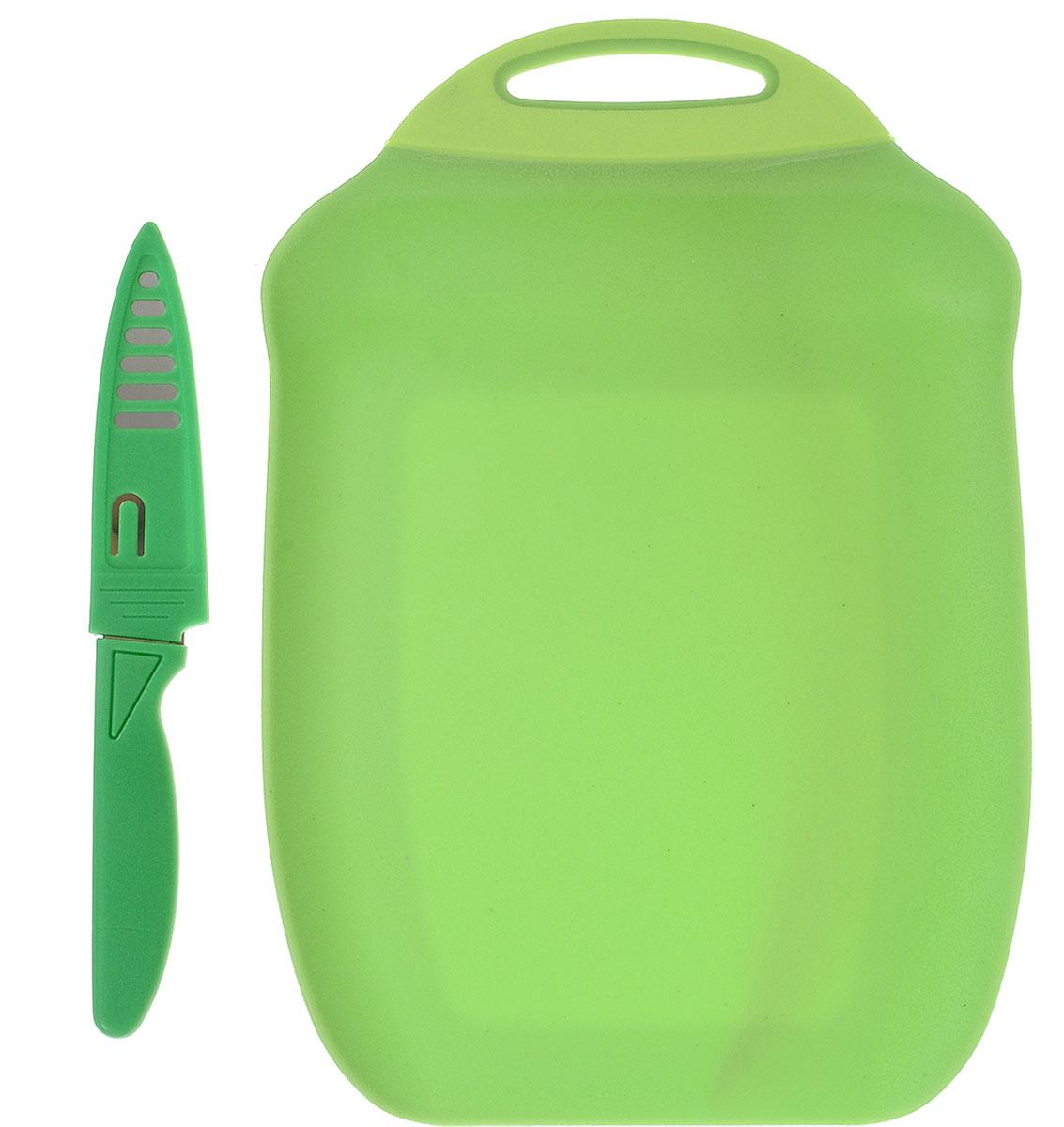 Доска разделочная Menu Ланч, с ножом, цвет: зеленый, 27 х 18 смCM000001328Разделочная доска Menu Ланч изготовлена из высококачественного пищевого пластика и предназначена для разделывания рыбы, мяса, нарезки овощей, фруктов, колбас, сыра и хлеба. Поверхность доски не тупит лезвия ножей и не впитывает запахи продуктов. В конструкции доски предусмотрены специальные небольшие бортики, которые предотвратят случайное ссыпание продуктов. Для удобства хранения доска имеет отверстие для подвешивания. В комплекте имеется нож из нержавеющей стали с защитным чехлом. Эргономичная пластиковая рукоятка не позволяет ножу выскальзывать из рук. Любая хозяйка оценит функциональность данного набора. Мыть только вручную. Размер разделочной доски: 27 х 18 см.Длина ножа: 19 см.Длина лезвия ножа: 10 см.