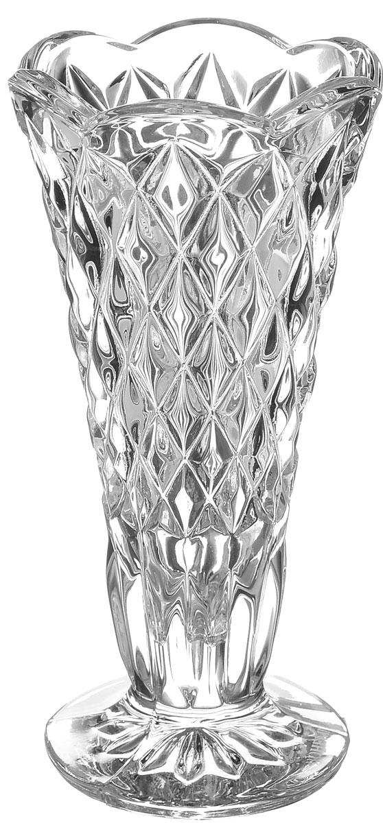Ваза Crystal Bohemia Diamond, высота 12 см990/87900/0/14100/120-109Элегантная ваза Crystal Bohemia Diamond выполнена из настоящего чешского хрусталя с содержанием 24% оксида свинца, что придает изделию поразительную прозрачность и чистоту, невероятный блеск, присущий только ювелирным изделиям, особое, ни с чем не сравнимое светопреломление и игру всеми красками спектра как при естественном, так и при искусственном освещении. Такая ваза подойдет для декора интерьера. Кроме того - это отличный вариант подарка для ваших близких и друзей. Высота вазы: 12 см. Диаметр вазы (по верхнему краю): 6 см. Объем вазы: 150 мл.