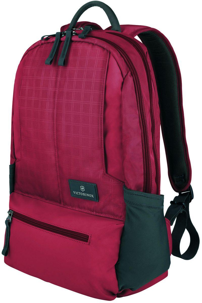 Рюкзак городской Victorinox Altmont 3.0 Laptop Backpack, цвет: красный, 25 л + ПОДАРОК: нож-брелок Escort32388303Индивидуальность — это то,что отличает вас от любого другого человека,с которым вы сталкиваетесь на улице,в поезде,с которым вы общаетесь в городе.Каждый день вашей жизни — это уникальный опыт,котрый никогда больше не повторится.Коллекция Almont 3.0 создавалась с рачетом на индивидульность. VICTORINOX арт. 32388303 РЮКЗАК ДЛЯ НОУТБУКА 32x17x46 см 0,7 кг 25 л • Идеально приспособленный для ежедневных поездок на работу, этот прочный вместительный рюкзак прекрасно подойдёт для хранения ноутбука и других повседневных вещей • Внутренняя организационная секция включает в себя карман с откидной крышкой, петли для ручек, карман для небольших электронных устройств и карманы для хранения • На внешней части рюкзака расположены две застежки-молнии, обеспечивающие быстрый доступ для хранения мелких предметов, и многофункциональные растягивающиеся боковые карманы