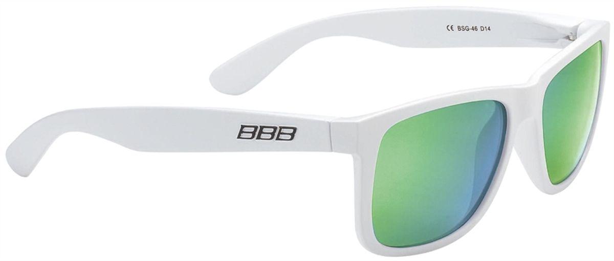 Очки солнцезащитные BBB Street PZ PC MLC Green Polarised Lenses, цвет: белыйBSG-46Поляризованные линзы уменьшают раздражает, а иногда и опасные блики на поверхности, например на дороге от листьев, деревьев и воды. Идеально, если вы ищете острейший и ясный взгляд. 100% защита от ультрафиолета. Каркас из поликарбоната. Поставляется с чехлом.