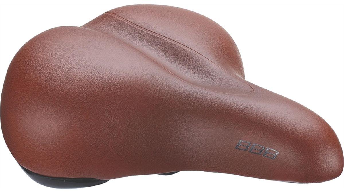Седло велосипедное BBB BaseShape One Piece Cover, цвет: коричневыйWRA523700BaseShape - седло для городского катания без каки-либо излишних усложнений. Комфортная мягкая подкладка и прочное покрытие из синтетического материала идеально подходит для езды по городу на небольшие расстояния.Седло для городских велосипедов и расслабленного катания.Комфортное водонепроницаемое седло.Размер: 205 х 240 мм (Ш х Д).Подходит как для мужчин, так и для женщин.Вес: 550 грамм.Прочные рельсы со шкалой для точной регулировки.Полипропиленовый каркас и бамперы для дополнительной защиты.Пена средней плотности.Прочное покрытие из искусственной кожи.Водонепроницаемое.