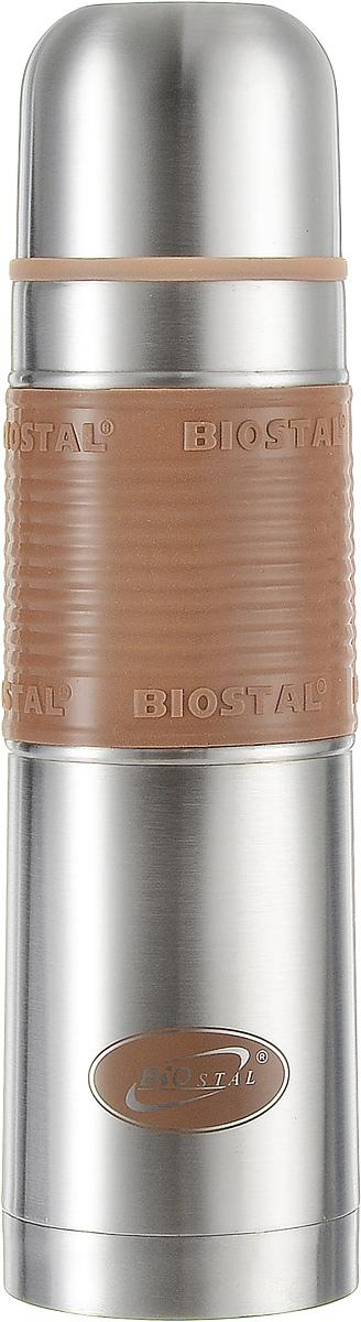 Термос Biostal, цвет: коричневый, стальной, 0,75 лNB-750 P-CТермос Biostal прост в использовании и многофункционален. Он изготовлен из высококачественной нержавеющей стали. Термос предназначен для хранения горячих и холодных напитков. Изделие имеет удобную нескользящую силиконовую вставку. Удобная пробка с кнопкой позволяет наливать напитки, не отвинчивая пробку.