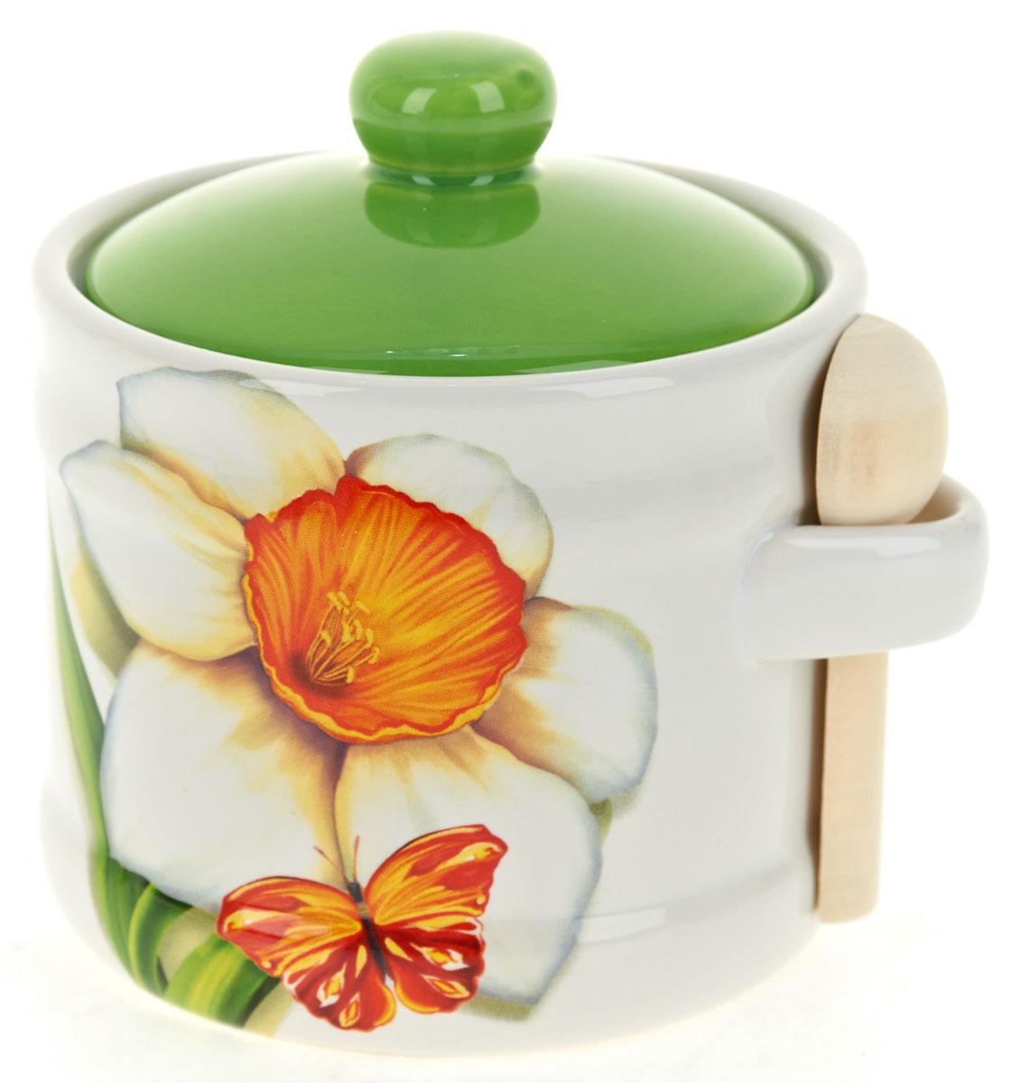 Банка для сыпучих продуктов Polystar Нарцисс, с ложкой, 500 млL2520305Банка для сыпучих продуктов изготовлена из прочной доломитовой керамики, с деревянной ложечкой. Изделие оформлено красочным изображением. Банка прекрасно подойдет для хранения различных сыпучих продуктов: чая, кофе, сахара, круп и многого другого. Изящная емкость не только поможет хранить разнообразные сыпучие продукты, но и стильно дополнит интерьер кухни. Изделие подходит для использования в посудомоечной машине.