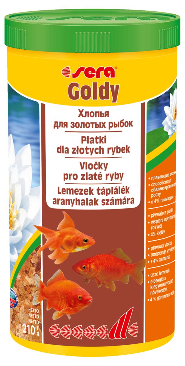 Корм для рыб Sera Goldy, 1 л (210 г)0120710Корм для рыб Sera Goldy - основной корм в хлопьях для каждодневного кормления всех золотых рыбок в аквариумах и садовых прудах. Золотым рыбкам требуется меньше белков и больше легко перевариваемых углеводов, чем тропическим рыбкам. Корм sera goldy содержит спирулину и муку из пророщенной пшеницы, благодаря чему идеально подходит для кормления холодноводных рыб в аквариумах и прудах. Кормление рыб осенью укрепляет рыб перед спячкой (при зимовке в водоеме). Благодаря тщательно подобранным ингредиентам растительного и животного происхождения, корм является привлекательным для рыб, легко усваивается, способствует их сбалансированному росту и активности. Инструкция по применению: Кормить круглогодично один-два раза в день, но только в том количестве, которое рыбы могут съесть в течение короткого периода времени. Молодые рыбки нуждаются в более частом кормлении (при необходимости можно измельчить хлопья для более полноценного кормления). Ингредиенты: рыбная мука, пшеничная мука, пивные дрожжи, казеинат кальция, гаммарус (4%), маннанолигосахариды (0,4%), зеленые мидии, чеснок, крапива, люцерна, растительное сырье, петрушка, морские водоросли, паприка, спирулина, шпинат, морковь. Аналитический состав: протеин 48,6%, жиры 8,1%, клетчатка 3,9%, влажность 5,0%, зольные вещества 11,1%.Витамины и провитамины: витамин A 30.000 МЕ/кг, витамин D3 1.500 МЕ/кг, витамин E (D, L-а-tocopheryl acetate) 60 мг/кг, витамин B1 30 мг/кг, витамин B2 90 мг/кг, витамин C (L-ascorbyl monophosphate) 550 мг/кг. Содержит пищевые красители, допустимые в ЕС. Товар сертифицирован.