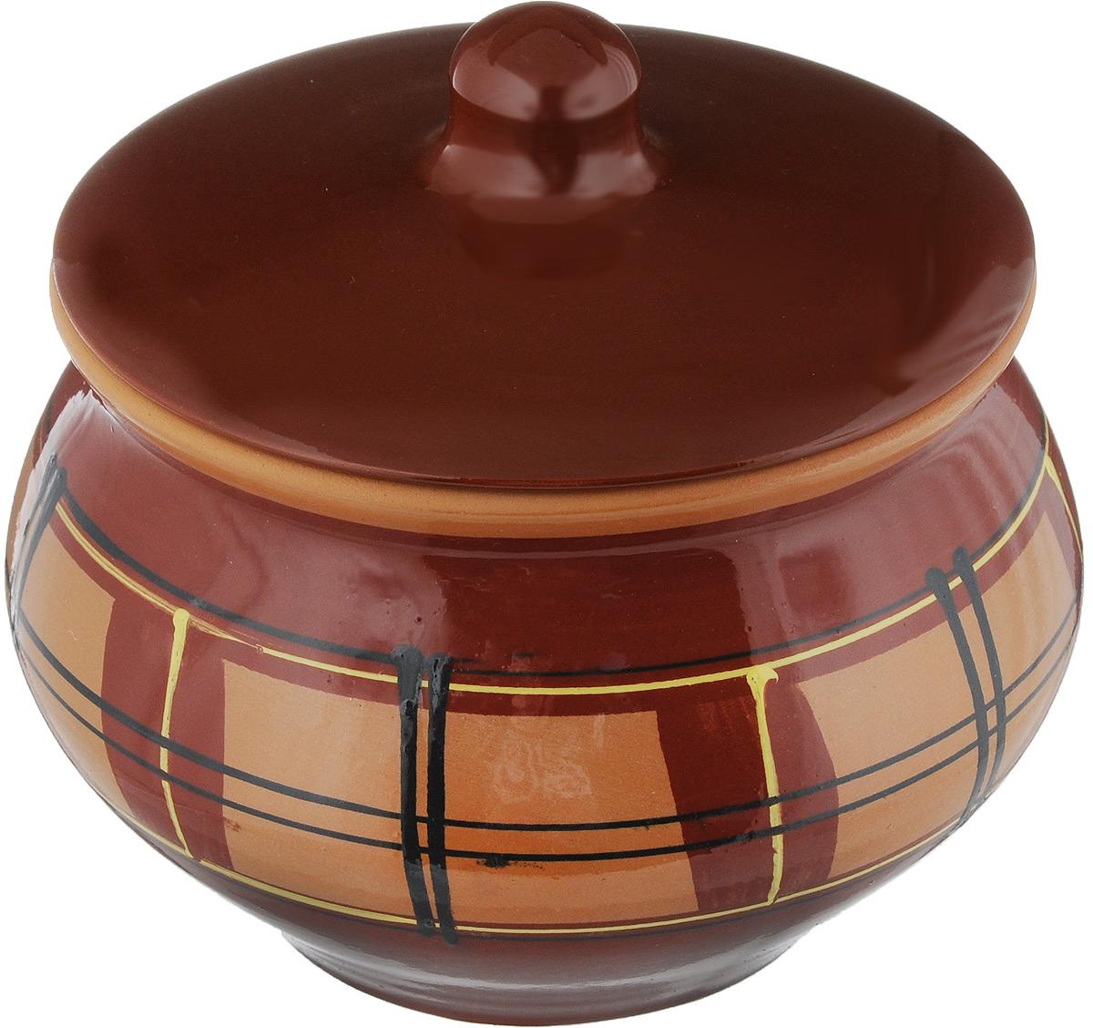 Горшок для жаркого Борисовская керамика Стандарт с крышкой, цвет: коричневый, темно-коричневый, 1,3 лОБЧ00000331_клетка, коричневыйГоршок для жаркого Борисовская керамика Стандарт выполнен из высококачественной керамики. Внутренняя и внешняя поверхность покрыты глазурью. Керамика абсолютно безопасна, поэтому изделие придется по вкусу любителям здоровой и полезной пищи. Горшок для жаркого с крышкой очень вместителен и имеет удобную форму. Уникальные свойства красной глины и толстые стенки изделия обеспечивают эффект русской печи при приготовлении блюд. Это значит, что еда будет очень вкусной, сочной и здоровой. Посуда жаропрочная. Можно использовать в духовке и микроволновой печи. Диаметр горшка (по верхнему краю): 15 см. Высота: 12 см.