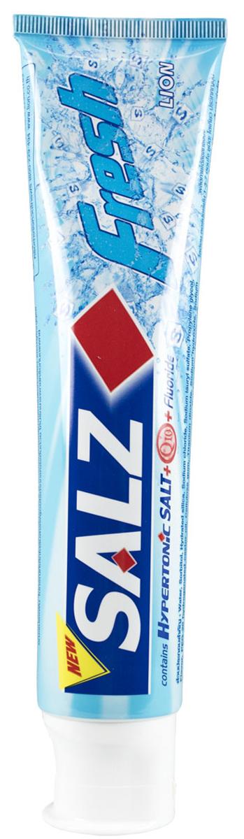 LionThailand Salz Fresh Паста зубная, 160 гр008960Инновационная формула зубной пасты «All Protection» обеспечивает комплексную защиту и уход за полостью рта. Зубная паста Salz содержит несколько активных компонентов: гипертоническую соль, коэнзим Q10 и фтор для защиты полости рта и устранения неприятного запаха. Прекрасно освежает дыхание. Обладает свежим ароматом зеленой мяты. -Концентрированное содержание гипертонической соли укрепляет десна и уменьшает количество бактерий, которые являются причиной появления неприятного запаха изо рта. -Коэнзим Q10, являясь антиоксидантом, надежно защищает полость рта и десна. -Фтор предупреждает развитие кариеса и улучшает состояние зубной эмали. Способ применения: чистить зубы не менее 3х минут, последовательно обрабатывая наружные, жевательные и внутренние поверхности всех зубов. Меры предосторожности: хранить в недоступном для детей месте. Способ хранения: хранить в прохладном сухом месте. Состав: вода, сорбитол, гидратированный диоксид кремния, лаурилсульфат натрия, пропилен гликоль,...