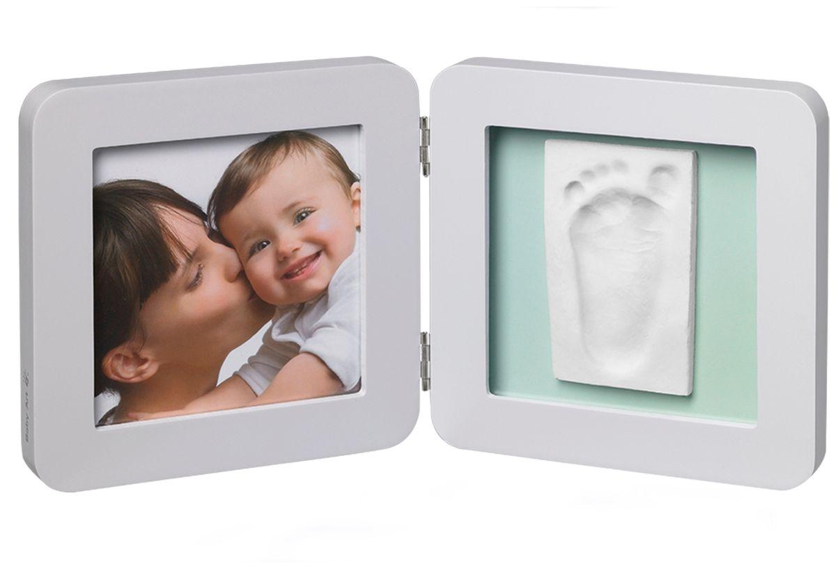 Baby Art Рамка для оттисков Модерн двойная с 3 подложками34120138Рамочка с отпечатком от компании Baby Art - это особый подход к созданию очаровательного подарка на память для этого особого периода жизни, с фотографией и обоими отпечатками ручки и ножки вашего ребенка. - Быстро и легко сделать отпечаток: не надо запекать, нет необходимости в дополнительных материалах, все уже включено в набор! - Можно делать несколько проб до сушки. - Очень быстро: создание идеального слепка всего за 2 минуты (не включая процесс сушки).