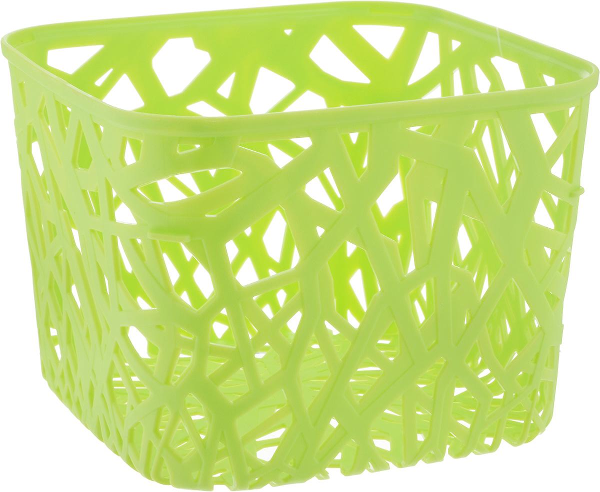 Корзина универсальная Curver Neo Colors, цвет: светло-зеленый, 19 x 19 x 14 см04160-598Универсальная корзина Curver Neo Colors изготовлена из высококачественного пластика и дополнена перфорированными стенками и дном. Такая корзина непременно пригодится в быту, в ней можно хранить кухонные принадлежности, специи, аксессуары для ванной и другие бытовые предметы, диски и канцелярию. Размер корзины: 19 х 19 х 14 см.