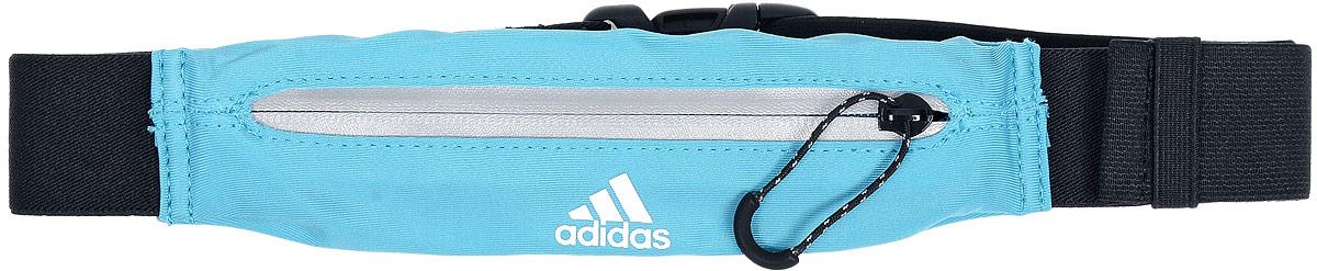 Сумка поясная для бега Adidas Running Belt, цвет: бирюзовый, черныйS96359Сумка Adidas Running Belt, выполненная из нейлона и эластана, оформлена символикой бренда. Сумка фиксируется на поясе с помощью эластичного ремешка с застежкой-фастекс. Изделие имеет одно отделение на застежке-молнии, в которое удобно положить ключи, деньги и другие мелочи. Изделие оснащено светоотражающими деталями. Такая поясная сумка для бега станет настоящей находкой, как для любителей, так и для профессиональных спортсменов, которые действительно серьезно подходят к экипировке.