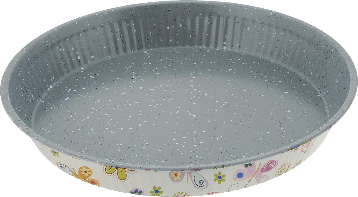 Форма для выпечки пирога Fissman, круглая, с антипригарным покрытием, диаметр 28 см. BW-5611BW-5611.28Круглая форма для выпечки Fissman изготовлена из углеродистой стали с антипригарным покрытием TouchStone. Не содержит в составе вредных веществ. Внешние стенки декорированы оригинальным рисунком. Такая форма найдет свое применение для выпечки большинства кулинарных шедевров. Форма равномерно и быстро прогревается, выпечка пропекается равномерно. Благодаря антипригарному покрытию, готовый продукт легко вынимается, а чистка формы не составит большого труда. Какое бы блюдо вы не приготовили, результат будет превосходным! Форма подходит для использования в духовке с максимальной температурой 240°С. Перед каждым использованием форму необходимо смазать небольшим количеством масла. Чтобы избежать повреждений антипригарного покрытия, не используйте металлические или острые кухонные принадлежности. Не рекомендуется мыть в посудомоечной машине. Диаметр формы по верхнему краю: 28 см. Высота стенки: 3,6 см.