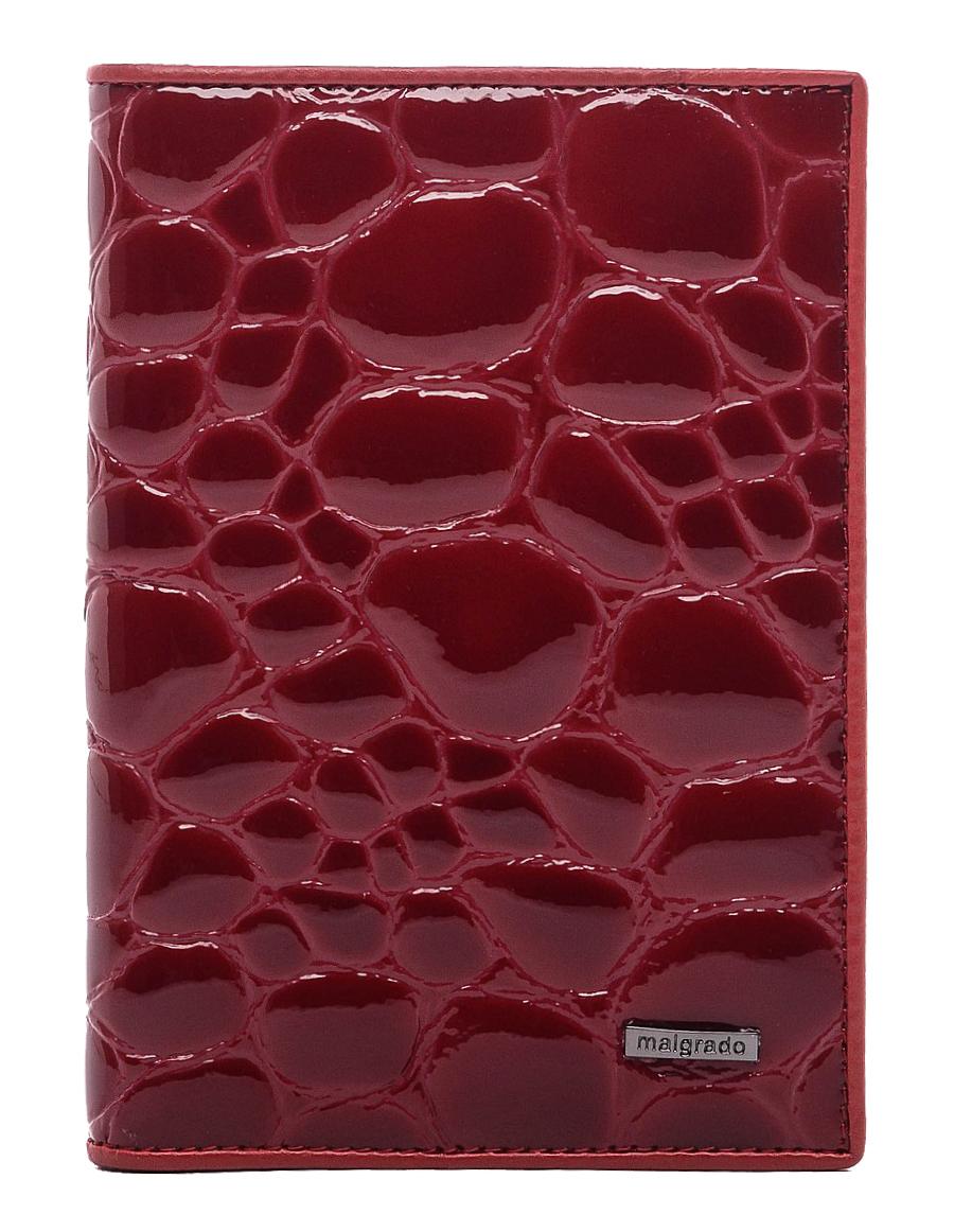 Обложка для документов Malgrado, цвет: красный. 54019-1A-38402A16-11154_711Стильная обложка для документов Malgrado, выполненная из натуральной кожи с тиснением под крокодила. Обложка может послужить как для хранения автодокументов, так и паспорта. Внутри содержится съемный блок из 4 прозрачных файлов для автодокументов. Также имеется 5 кармашков для визиток и пластиковых карт. Обложка поможет сохранить внешний вид ваших документов и защитит их от повреждений, а также станет стильным аксессуаром, который подчеркнет ваш образ. Обложка упакована в подарочную коробку синего цвета с логотипом фирмы.