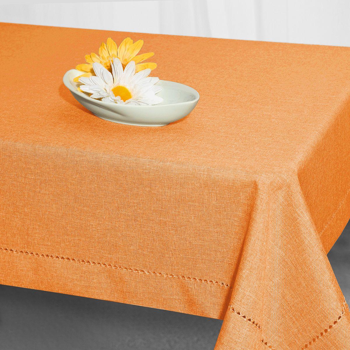 Скатерть Schaefer, прямоугольная, цвет: оранжевый, 130 x 170 см. 07599-42996515412Стильная скатерть Schaefer выполнена из полиэстера.Изделия из полиэстера легко стирать: они не мнутся, не садятся и быстро сохнут, они более долговечны, чем изделия из натуральных волокон.Немецкая компания Schaefer создана в 1921 году. На протяжении всего времени существования она создает уникальные коллекции домашнего текстиля для гостиных, спален, кухонь и ванных комнат. Дизайнерские идеи немецких художников компании Schaefer воплощаются в текстильных изделиях, которые сделают ваш дом красивее и уютнее и не останутся незамеченными вашими гостями. Дарите себе и близким красоту каждый день!
