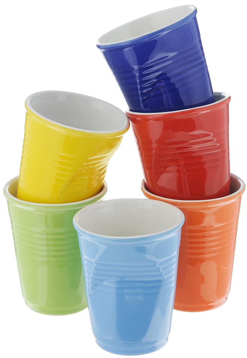 Набор стаканов Elan Gallery Разноцветные, 200 мл, 6 штVT-1520(SR)Набор Elan Gallery Разноцветные состоит из 6 стаканов, выполненных из высококачественной керамики. Необычные мятые стаканы разных цветов поднимут настроение любой компании. Набор стаканов Elan Gallery станет также отличным подарком на любой праздник. Подходит для горячих и холодных напитков. Не рекомендуется применять абразивные моющие средства. Не использовать в микроволновой печи. Диаметр стакана (по верхнему краю): 7 см. Высота стакана: 9 см.