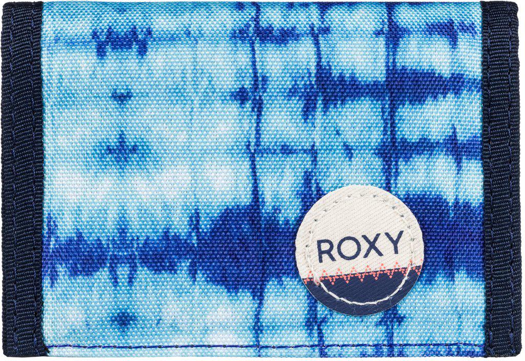 Кошелек женский Roxy Small Beach, цвет: синий. ERJAA03215-WBT7ERJAA03215-WBT7Женский кошелек от Roxy выполнен из полиэстера и оформлен оригинальным принтом. У модели складной дизайн, три секции, кармашек для мелочи на молнии, много отделений для карточек, отделение для банкнот. Застегивается на липучку Velcro, дополнен хлопчатобумажной нашивкой с логотипом.