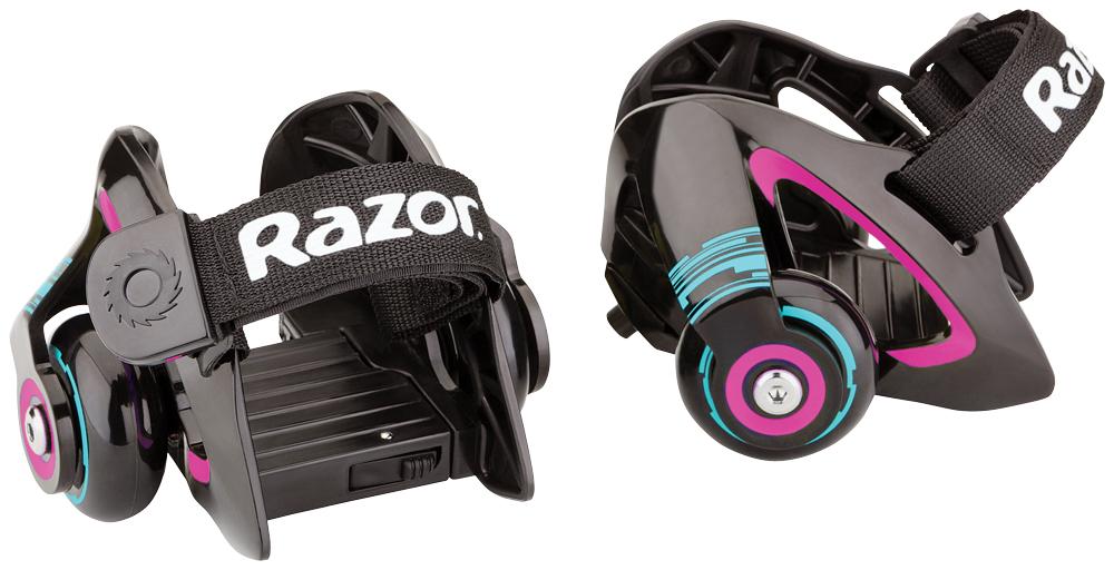 Ролики на обувь Razor Jetts, цвет: пурпурный140209Мечтали о легких прочных компактных роликах? Теперь это реальность! Все благодаря роликам Razor Jetts! Новинка крепится к ботинкам с помощью ремней. Стоит отметить, что подобные прикрепляемые колеса для детской обуви появились на рынке уже довольно давно, однако Razor сделал ставку на взрослых райдеров, а также на уникальную и удобную конструкцию крепления к обуви. Теперь можно с легкостью превратить любые кроссовки в ролики за считанные секунды — нужно лишь хорошо затянуть ремни, обеспечив плотное прилегание к обуви. Что касается веса «роллера», то здесь есть ограничение — 80 кг. Отдельного внимания заслуживает тот факт, что ролики Jetts могут искрить, когда задняя часть платформы оказывается под прямым углом по отношению к поверхности дороги. Только представьте себе - искры, которые высекаются из-под ваших пяток, и при этом это все по-американски безопасно! От 6 лет Подходит под рост от 100 до 200 см. Вес роликов всего 550 грамм Максимальная нагрузка 80 кг. Подходит под детскую...